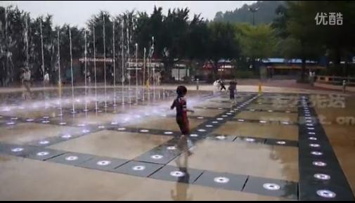 长隆水上乐园旱喷泉展示