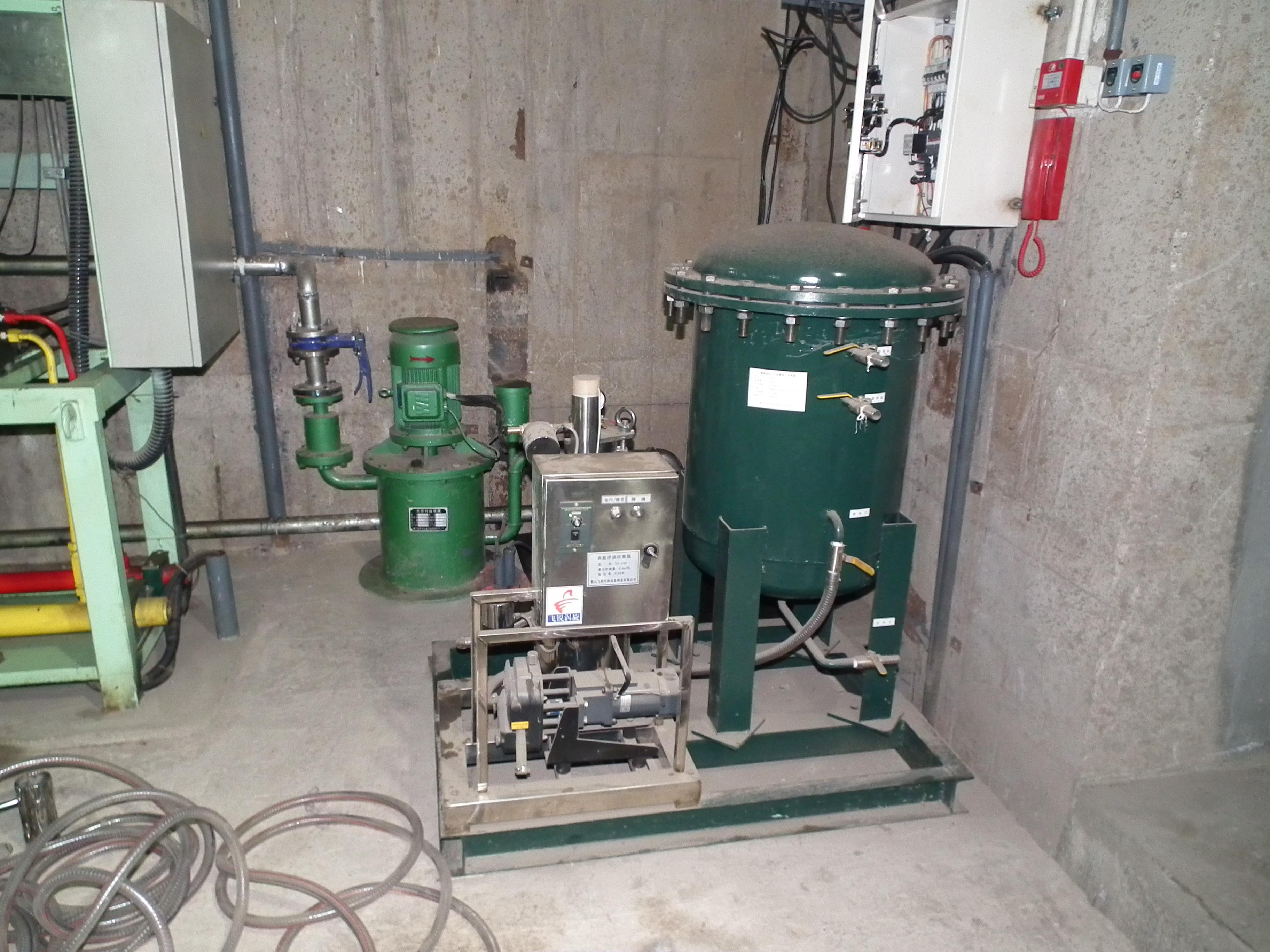 滤芯式油水分离器  (1)