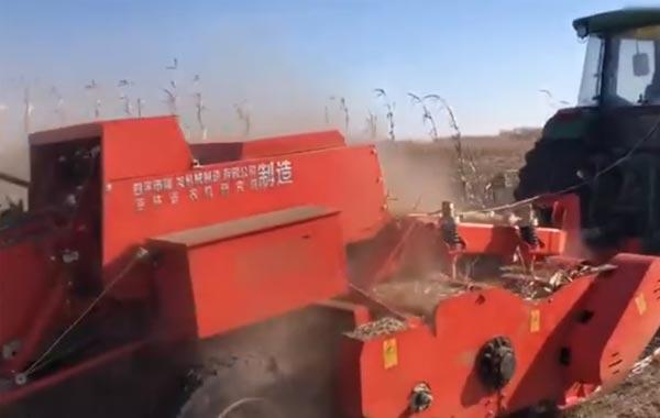 視頻工作:四平隆發機械9YFL-2.2自動撿拾秸稈粉碎方捆打捆機
